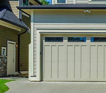 choisir sa porte de garage choisir sa porte de garage comment bien choisir sa porte de garage. Black Bedroom Furniture Sets. Home Design Ideas