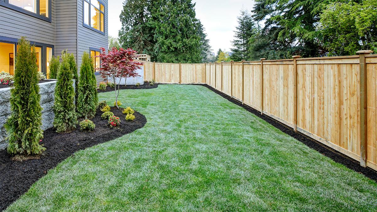Cloture Jardin Pvc Pas Cher comment bien choisir sa clôture | constructionrenovation