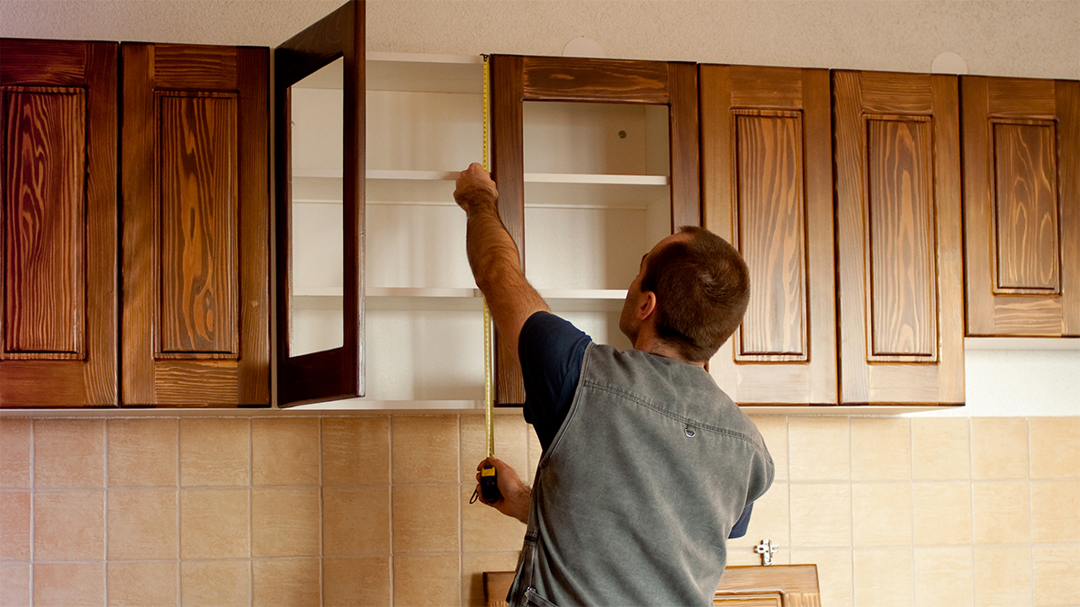 Recouvrir Porte De Cuisine comment modifier ses armoires de cuisine sans se ruiner?